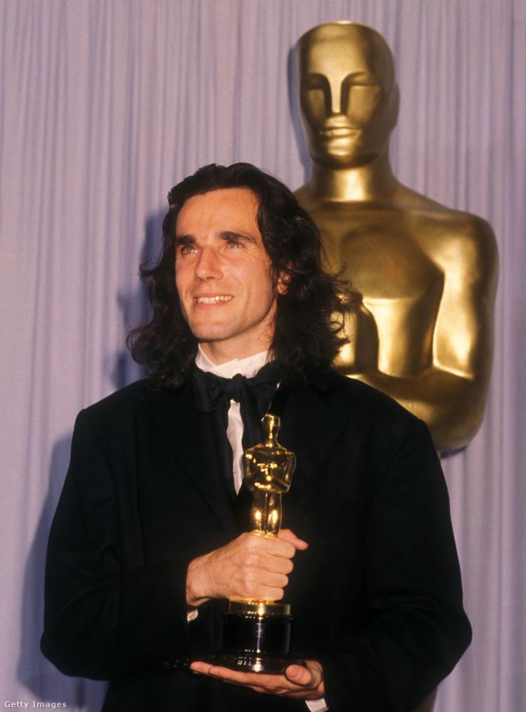 Daniel-Day Lewis három Oscar-díjat nyert, szóval ha úgy vesszük, amit lehetett, elért a szakmájában