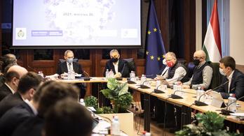Orbán Viktornál üléseztek az operatív törzs kormánytagjai, döntöttek az újranyitási javaslatról