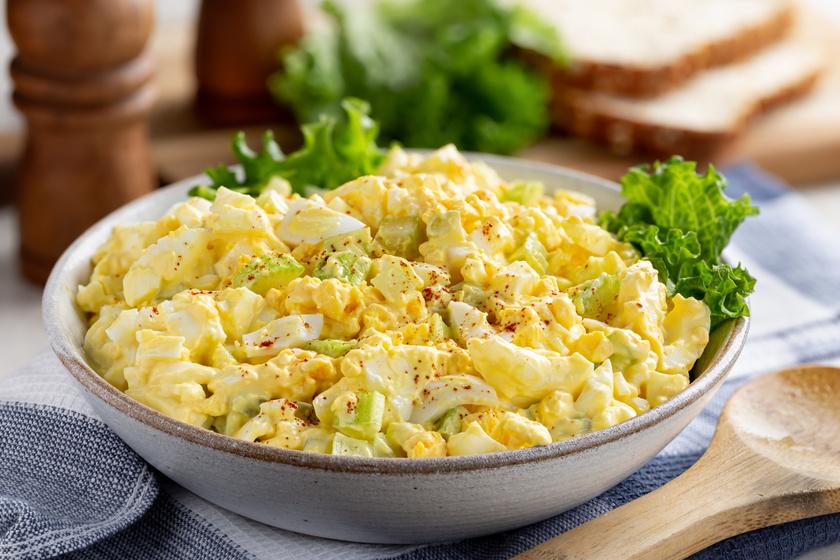 Majonézes, hagymás tojássaláta: maradék főtt tojásból pillanatok alatt elkészül