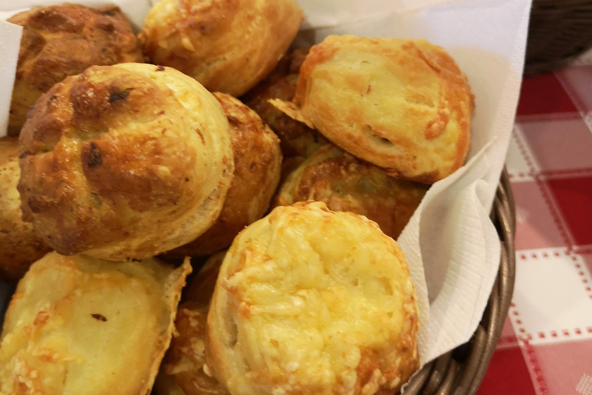 Gyors és nagyon puha krumplis pogácsa: ez sokáig friss és finom marad