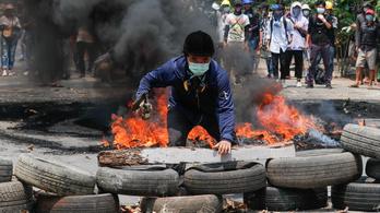 Ezrek menekültek Thaiföldre a mianmari hadsereg bombázása elől