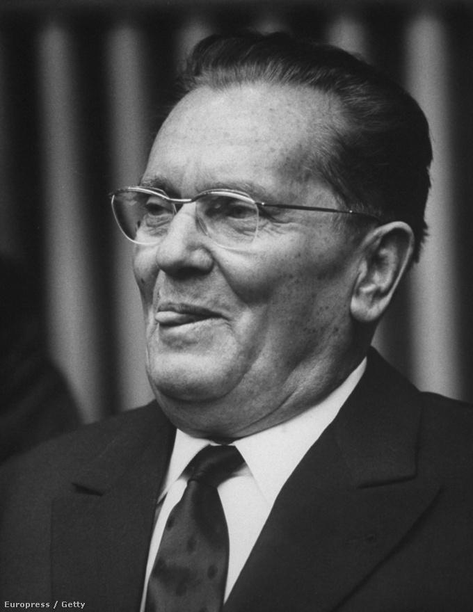 1965-ben az ENSZ-ben. Tito bel- és külpolitikája miatt a szocialista Jugoszláviát gyakran második Svájcnak nevezték.