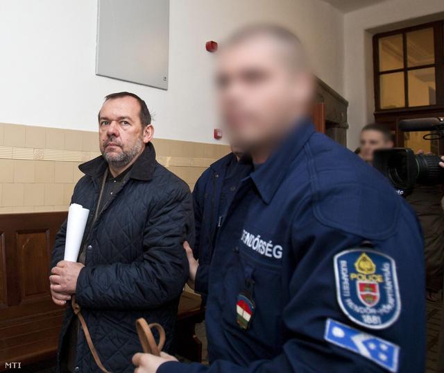 Székely Árpád egykori moszkvai nagykövet előzetes letartóztatásban 2011-ben