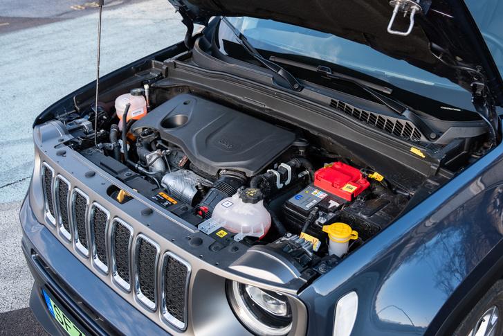 1,3 benzin és automata váltó elöl