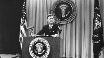 Kennedyt mégsem egy E. T. ölte meg