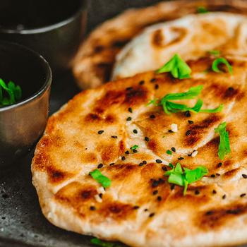 Ha elfogyott a kenyér, készíts naan-t: az indiai lepénykenyér pillanatok alatt elkészül