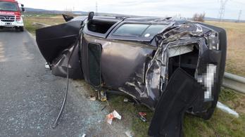 Elvették a jogosítványát, részegen kocsiba ült, és balesetet okozott a 17 éves veszprémi fiú