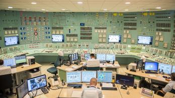 Oltják a paksi atomerőmű dolgozóit, 330-an már megkapták a vakcinát