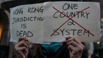 Kína hazafiakat akar látni Hongong élén, módosította a választási törvényt