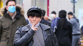 A britek a dohánycégekkel fizettetnék meg a csikkszedést