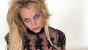 Britney Spears egy nagyon fura csecsemős képet posztolt