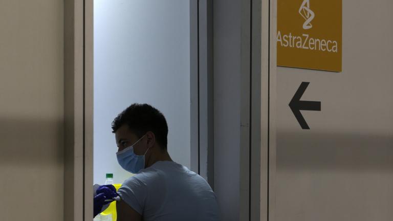 Szerbia: 24 óra alatt betelhetnek a kórházak