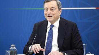AstraZeneca-t kapott a 73 éves Mario Draghi