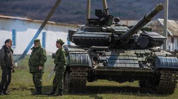 Egyre csak gyűlnek az orosz katonák az ukrán határ közelében