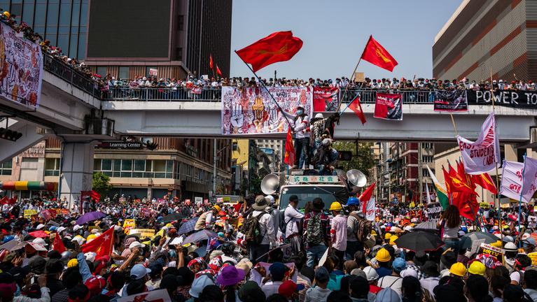 Mianmar: Japán befagyasztotta a pénzcsapot