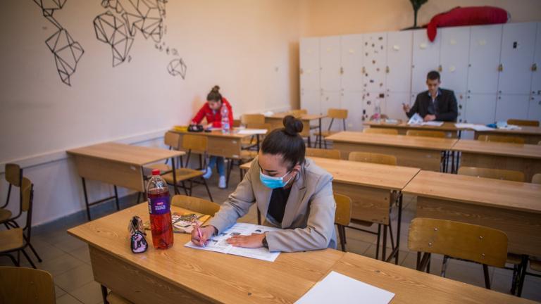 Érettségizők: veszélyes két hétre visszatérni az iskolába
