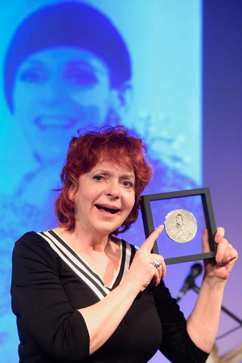 Hernádi Judit 2018 márciusában a Psota Irén-díj átadási ünnepségén a fővárosi Rózsavölgyi Szalon Arts Caféban.