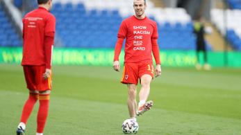 Bale ordas nagy könyököst osztott ki, lapot sem kapott érte