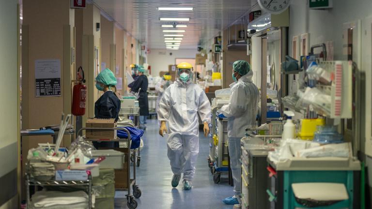 Covid-gyilkos tablettát és orrspray-t vizsgálnak
