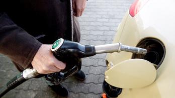 Nagyot esett a benzin ára a kutakon