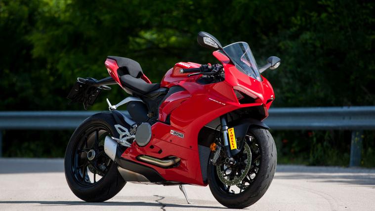 A Ducati már nagyban készül rá, hogy 950 köbcentivel versenyezzenek a 600-asok ellen