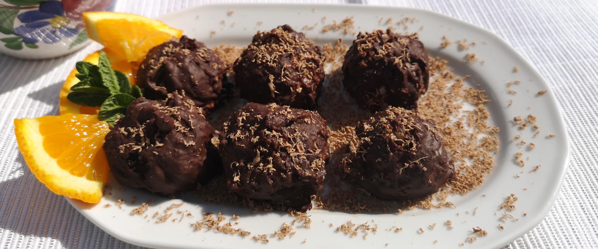 csokival borított görög joghurtos kókuszgolyó cover