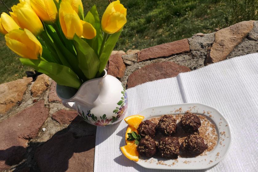 csokival borított görög joghurtos kókuszgolyó recept
