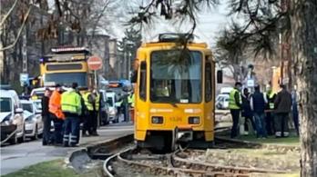 Kisiklott a 69-es villamos, pótlóbuszok jártak Rákospalotán