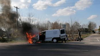 Egy napon belül két autó is kigyulladt két szomszédos megyében