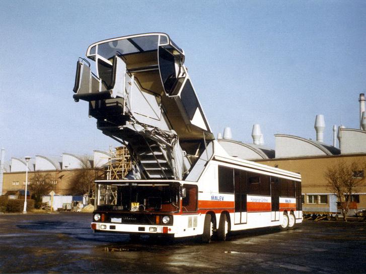 A 692.03 pedig az utolsó PALT busza az Ikarusnak