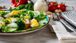 Gado-gado saláta – remek tipp a húsvétról maradt főtt tojás felhasználására