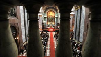 Üzentek az egyházak: A húsvét az élet ünnepe