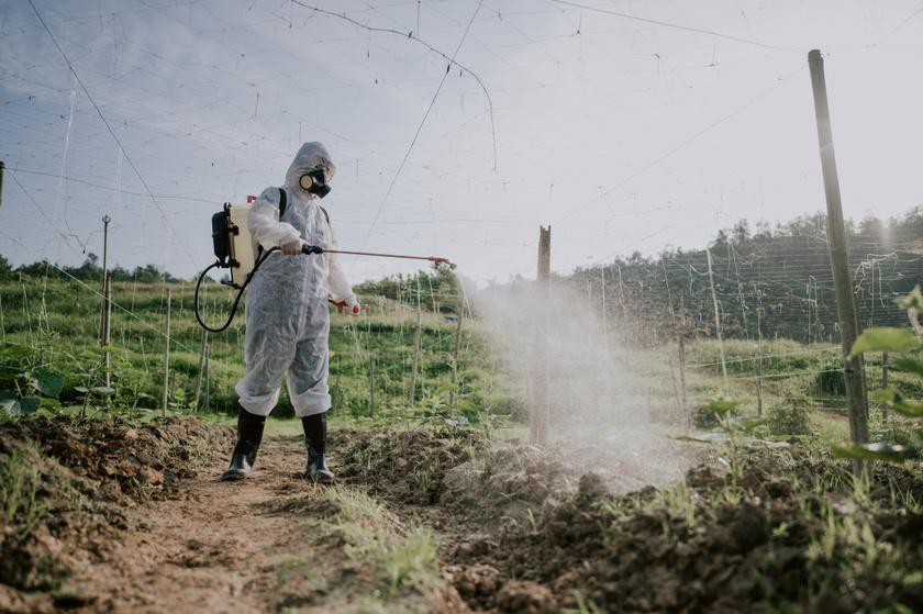 mezőgazdaság-permetezés