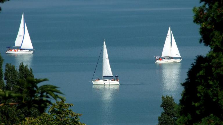 Hajós Airbnb a Balatonon
