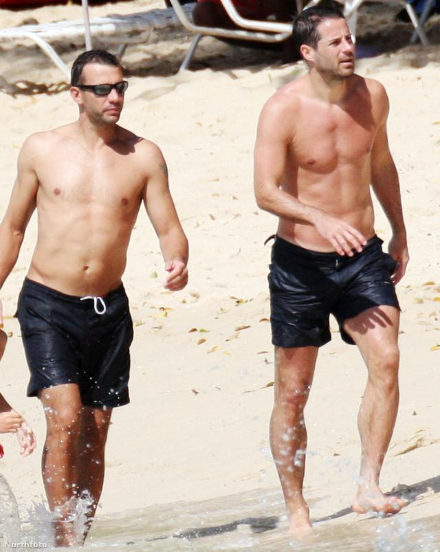 Andrej Sevcsenkó és Jamie Redknapp Barbadoson gázol a tengerben