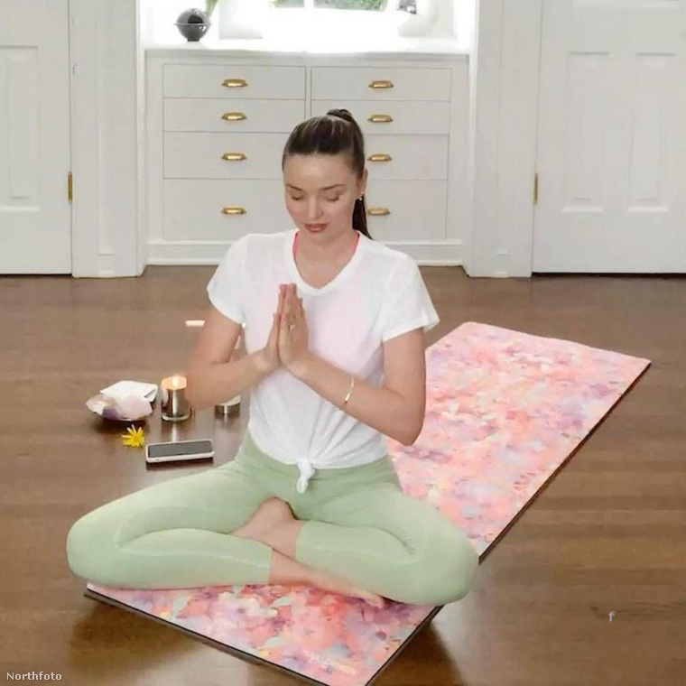 Miranda Kerr azt mondja, ő a kundalini jógára esküszik.