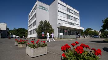 Tűz ütött ki a hatvani kórházban, három kórtermet kiürítettek