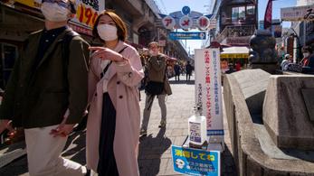 Gyengíti az oltásvédelmet a koronavírus Japánban terjedő mutációja