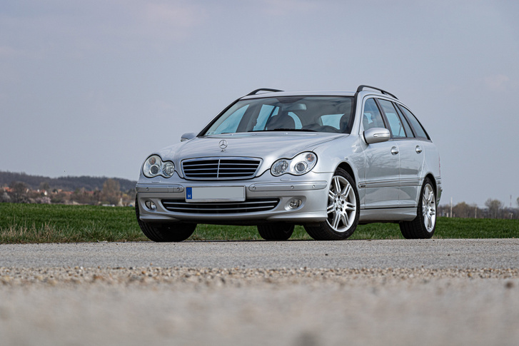 Nem ez a Mercedes legszebb korszaka, de ezen a C350-esen ezt nem érezni