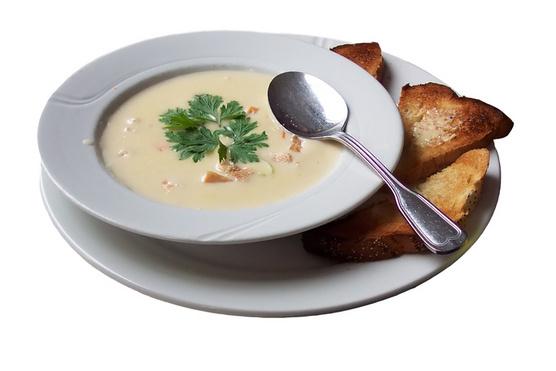 Zöldségalaplével és narancshéjjal egészen más hangulatot adhatsz a levesnek.