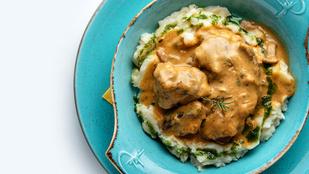 Medvehagymás krumplipüré vajjal és tejszínnel – fokhagymás csirkemell mellett a legfinomabb