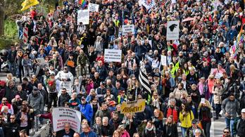 Európa-szerte robbant a bezártság okozta feszültség