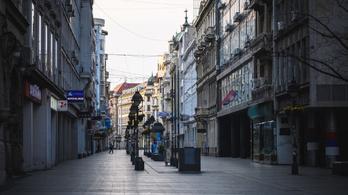 Füstbombákat dobáltak szét Belgrád központi sétányán