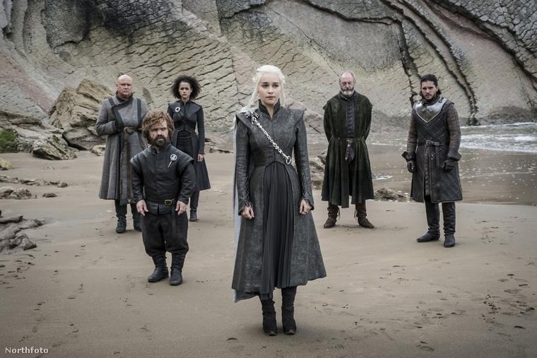 egy hónap alatt három olyan párnak küldenek ajándékot, akiknek Westeros-témájú esküvőjük volt