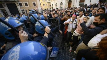 Durván kiakadtak az olaszok, a rendőrség állította le a tüntetőket