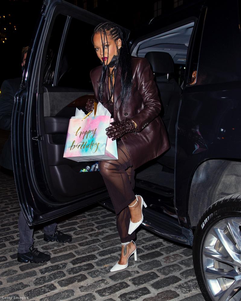 Április 5-én Rihanna elment megünnepelni édesanyja születésnapját New Yorkban.