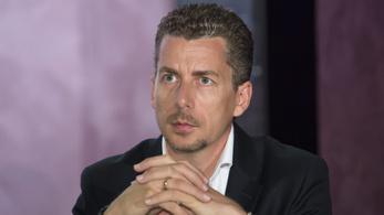 Milliókért reklámozzák a Fidesz-közeli influencerek Facebook-bejegyzéseit