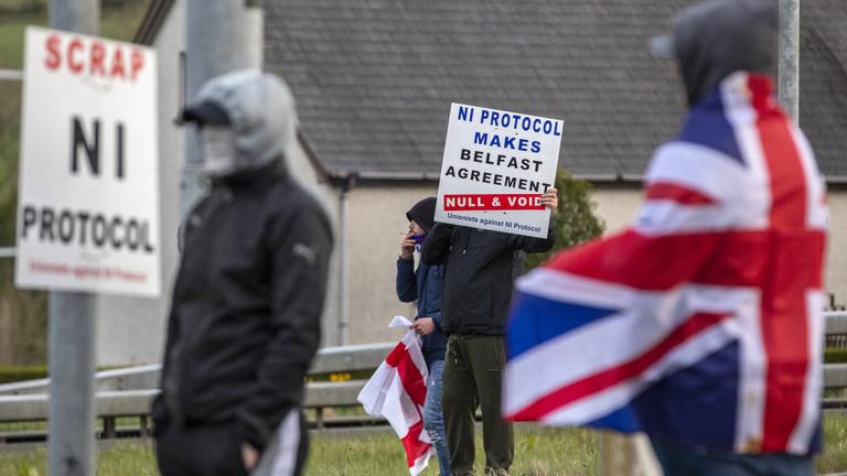 Brexithatás: forrnak az indulatok Észak-Írországban
