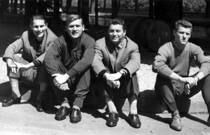 Válogatott futballisták: Sándor Károly, Tichy Lajos, Kotász Antal, Sipos Ferenc