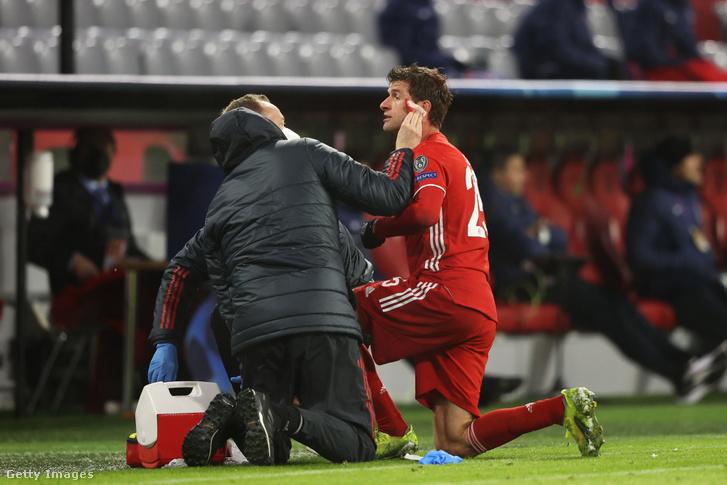 Nem gólöröm: Müller úgy vérzett, hogy észre sem vette, a játékvezető küldte el ápolásra